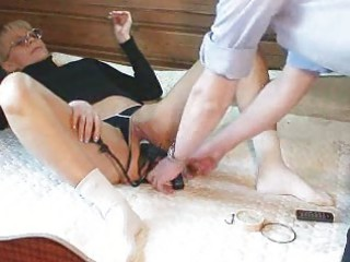 inexperienced woman marcella kitty fingering