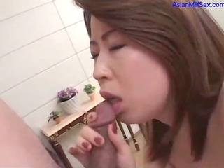 mature belle getting her tits sucked shaggy pussy