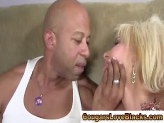 mature pantyhose lady gets fucked