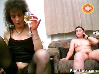 desperate cougar brunette takes furry pussy