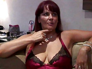 curvy lady escort squirts for punter