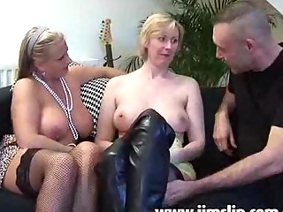 english mature babe sluts taking bottom pierced