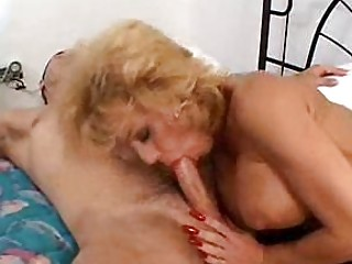 dirty woman sammie sparks squeezes a big dick