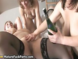triple horny fat older  wifes gangbanging part3