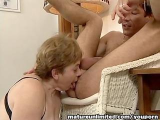 ladies is balls tasting deepthroat