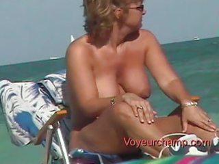 voyeurchamp.com 3 super lady ladies showed on the