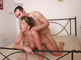 beautiful milf n97 cougar on a bunk