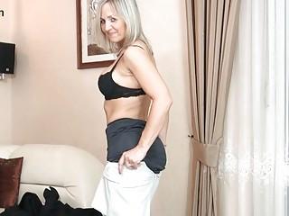 bootylicious albino woman inside dark pantyhose