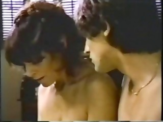 vintage cougar brunette mom obtains her wet