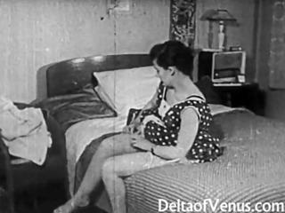 vintage erotica 1950s - voyeur copulate - peeping