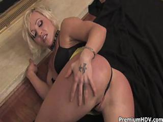 bleached mom pleasing and striping